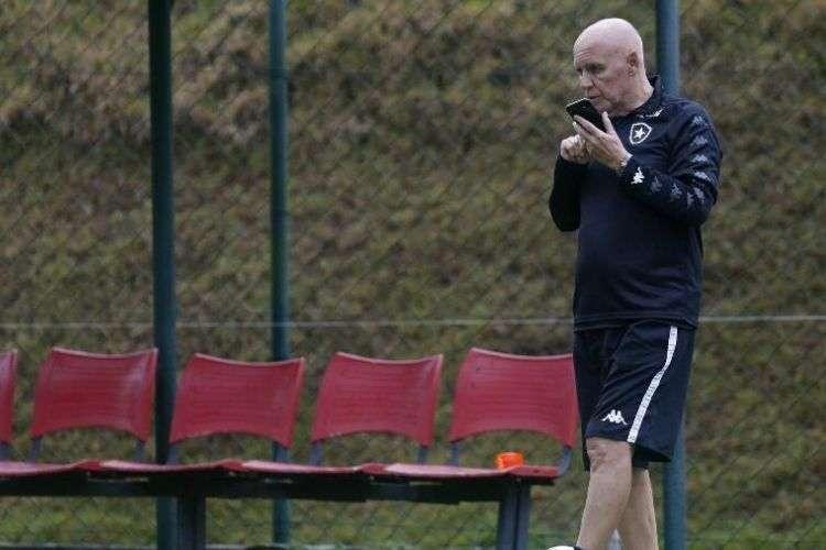 Morre Valdir Espinosa, treinador campeão do mundo pelo Grêmio e com passagem no Santa