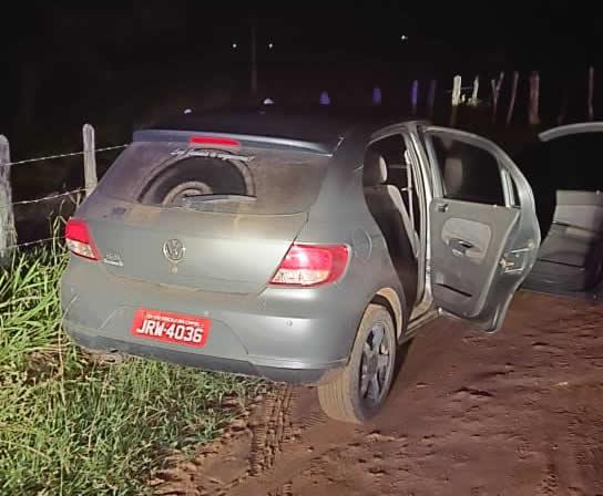 Polícia Militar recupera carro roubado no Cedro zona rural de São Gonçalo