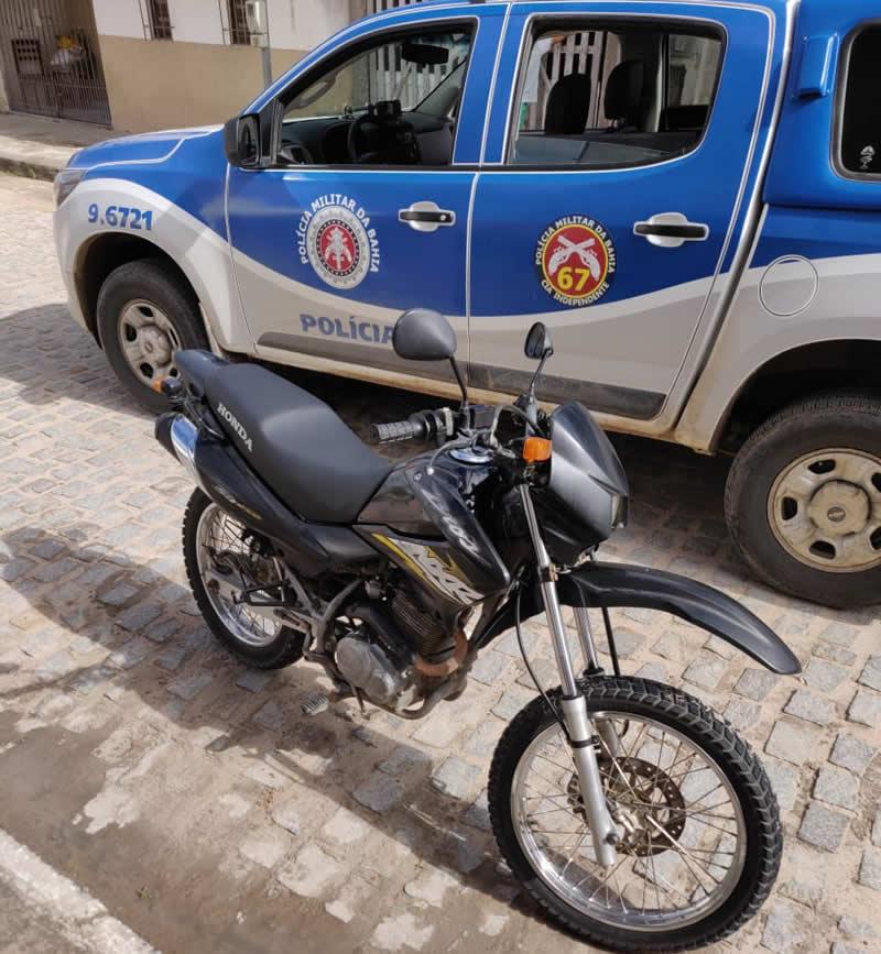 Moto tomada em assalto nessa manhã (09) no Magalhães é recupera pela 67ª CIPM