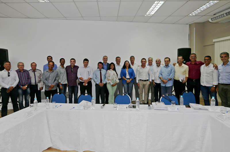 Governador discute com prefeitos o fortalecimento da Região Metropolitana de Feira de Santana