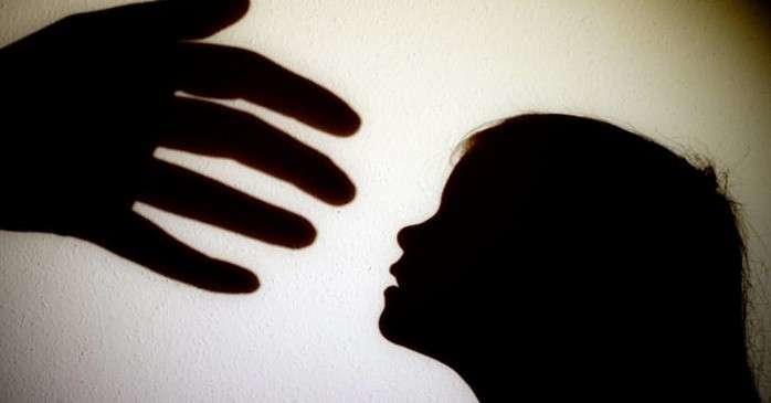 Homem é preso suspeito de estuprar enteada na região metropolitana de Salvador