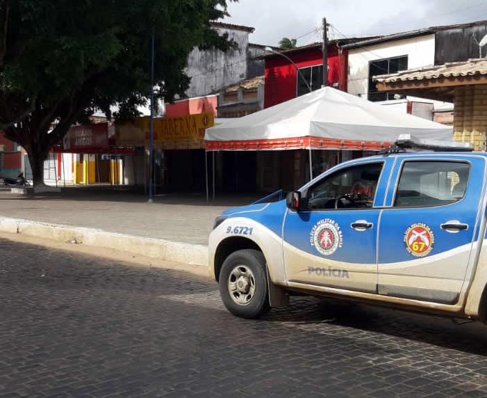 Bares são fechados pela Polícia Militar em São Gonçalo dos Campos