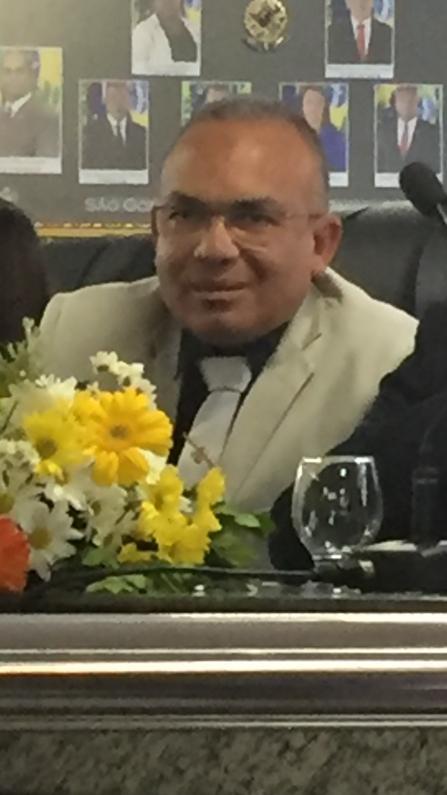 Vereador de São Gonçalo utilizará metade do próprio salário para ajudar afetados pela crise do coronavírus