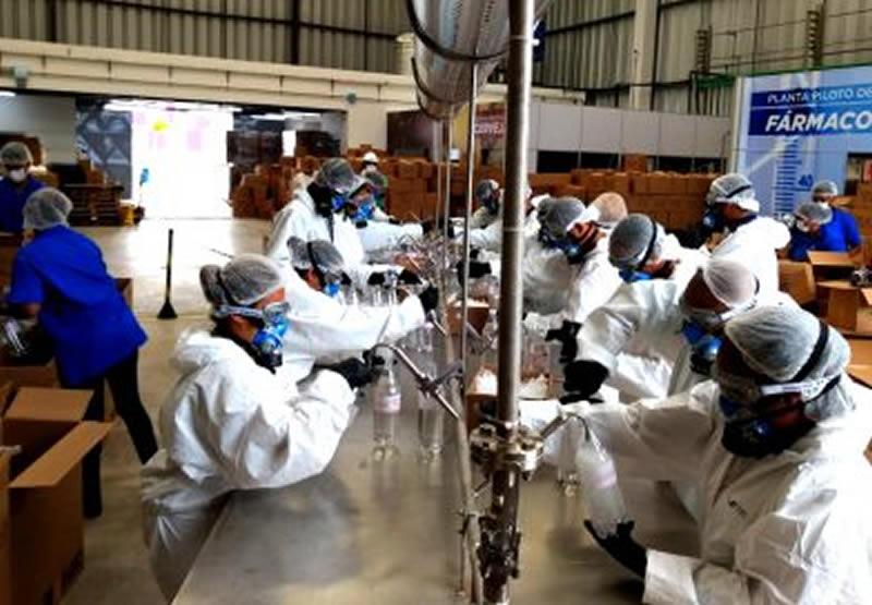Voluntários produzem 5500 protetores faciais para hospitais