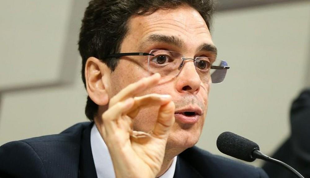 Não podemos jogar tudo na dívida pública, diz Marcos Mendes sobre a crise