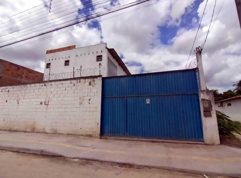 Ação conjunta fecha fábrica clandestina de álcool gel em São Gonçalo dos Campos