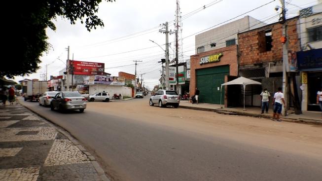 Prefeitura de Feira vai desviar trânsito na praça do Tomba nos fins de semana