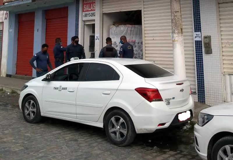 Fiscalização da Prefeitura faz cumprir decreto e fecha estabelecimentos