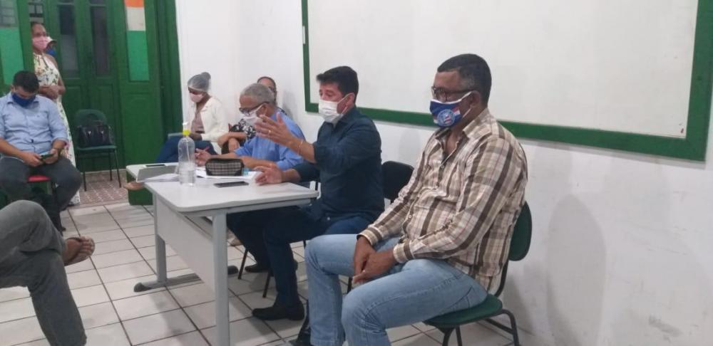 Carlos Germano se reúne com presidente da Câmara, secretários e comerciantes para definir novas medidas de combate ao Coronavírus