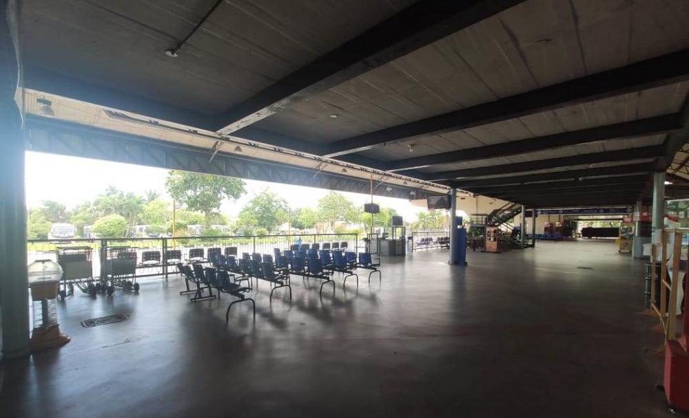 Mais seis municípios têm transporte suspenso na Bahia; total chega a 304