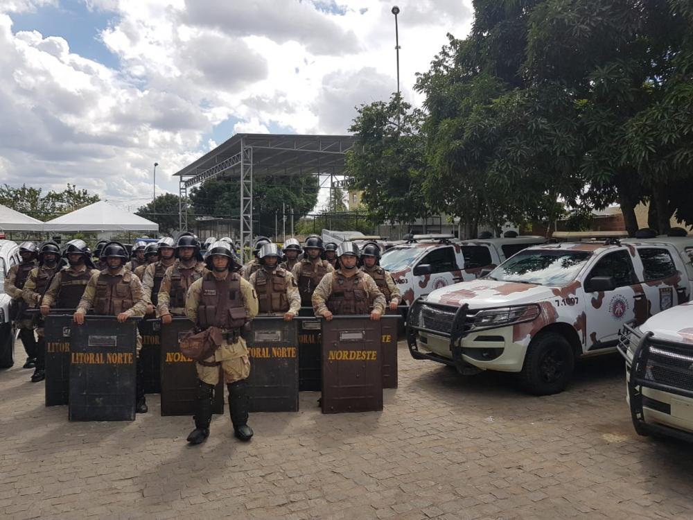 Revista policial apreende 24 celulares em Complexo Prisional de Feira de Santana