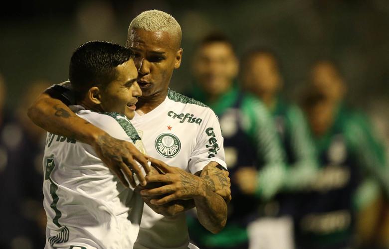 Palmeiras vence Chape, mantém liderança e chega a 30 jogos de invencibilidade no Brasileirão