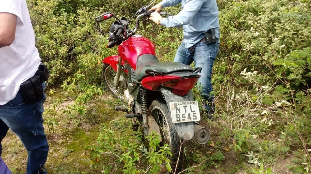 PC de São Gonçalo recupera moto roubada e apreende menores suspeitos