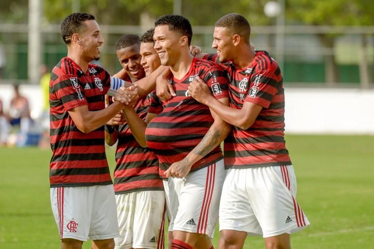 Flamengo vence o Bahia e mantém 100% de aproveitamento no Brasileirão sub-20