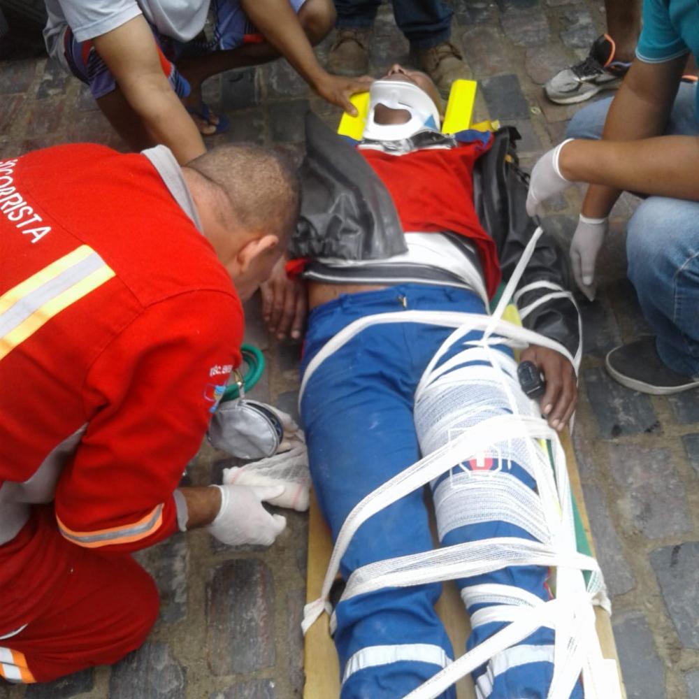 Vítimas de acidentes de moto na Av. Dr. Antônio Muniz em São Gonçalo passam bem