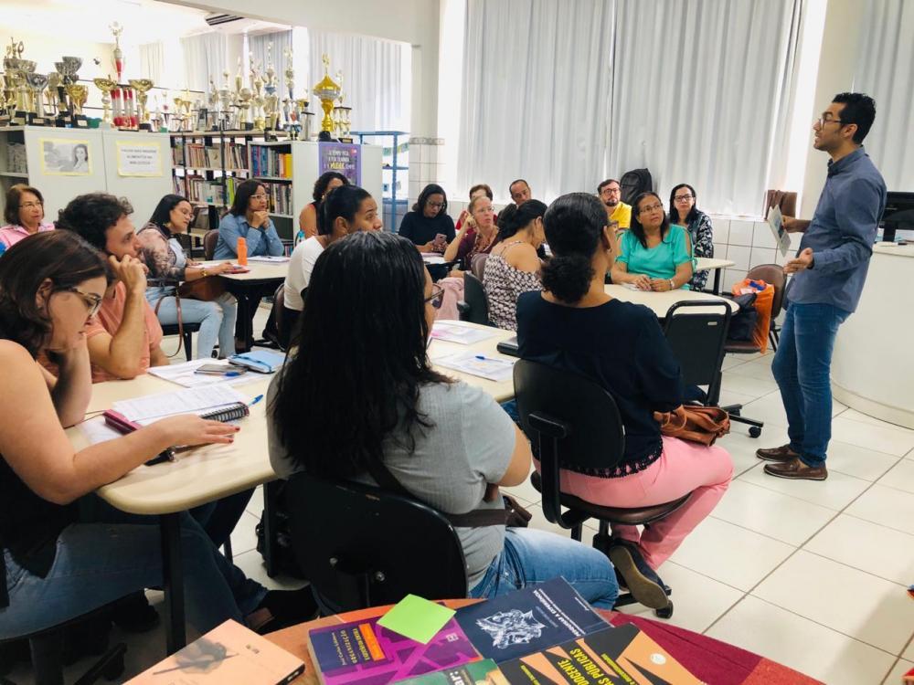 Educadores dialogam sobre Avaliação Diagnóstica durante encontro de formação em Feira de Santana
