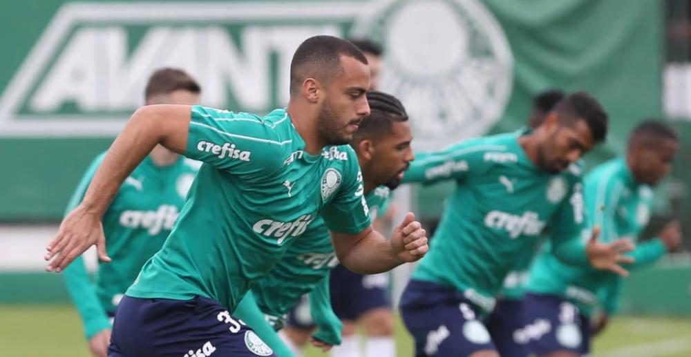 Em vantagem, Palmeiras não sofre gols do Internacional há quatro jogos