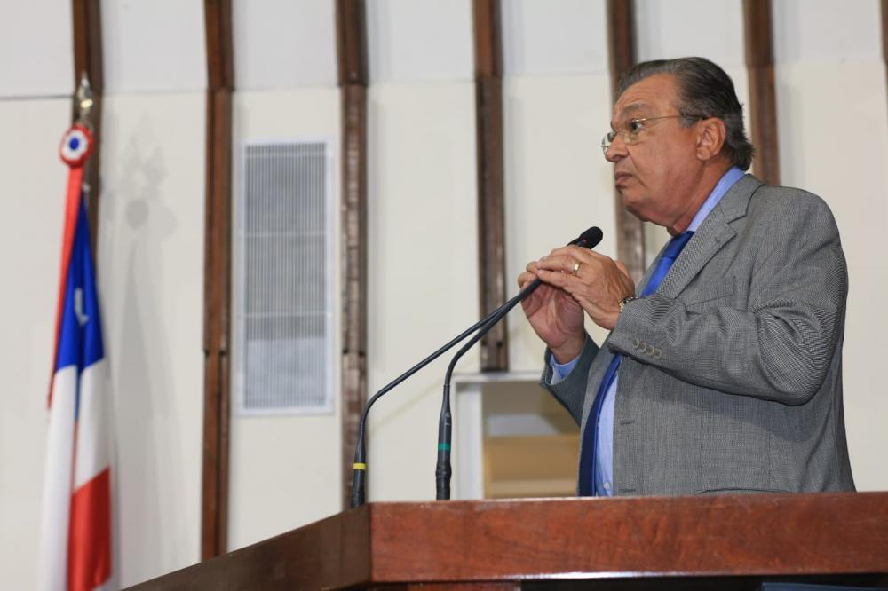 Targino Machado volta a pedir providências à BA-502 em São Gonçalo dos Campos