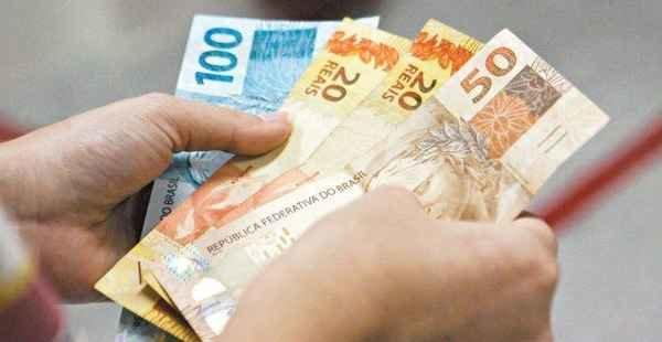 Caixa inicia pagamento do abono salarial para nascidos em setembro